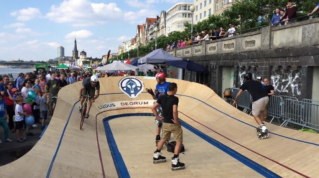 Düsseldorf 2015 - Skater gegen Fixie